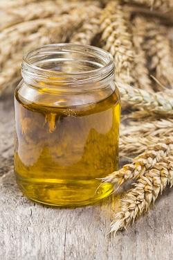 huile de germes de blé pour cheveux abîmés