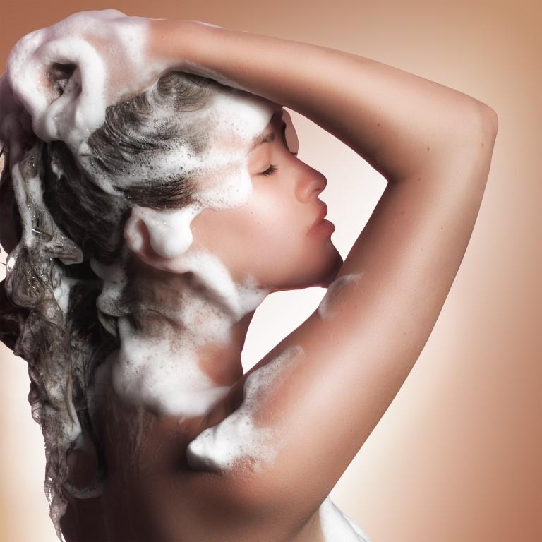 L'huile d'amande douce adoucit vos shampoings
