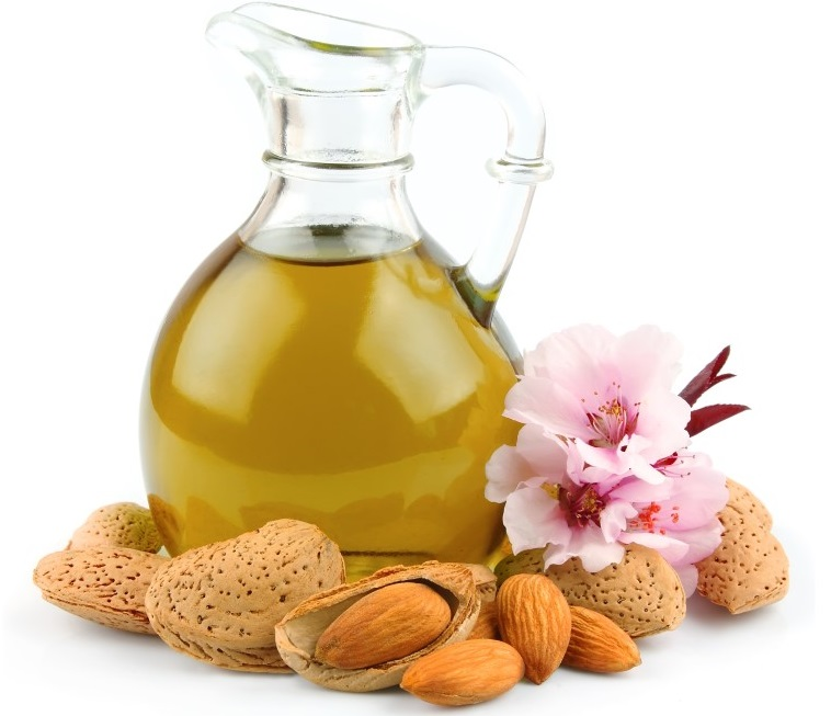 L'huile d'amande douce pour des cheveux tout doux